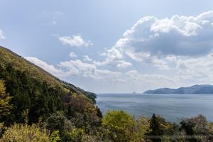 賤ヶ岳の麓から望む琵琶湖